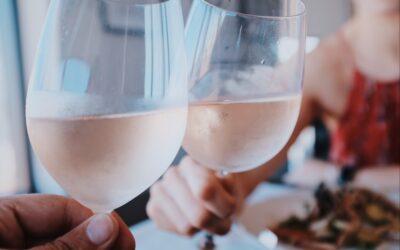Guide til rosé vin – lær meget mere om den lækre sommerdrik